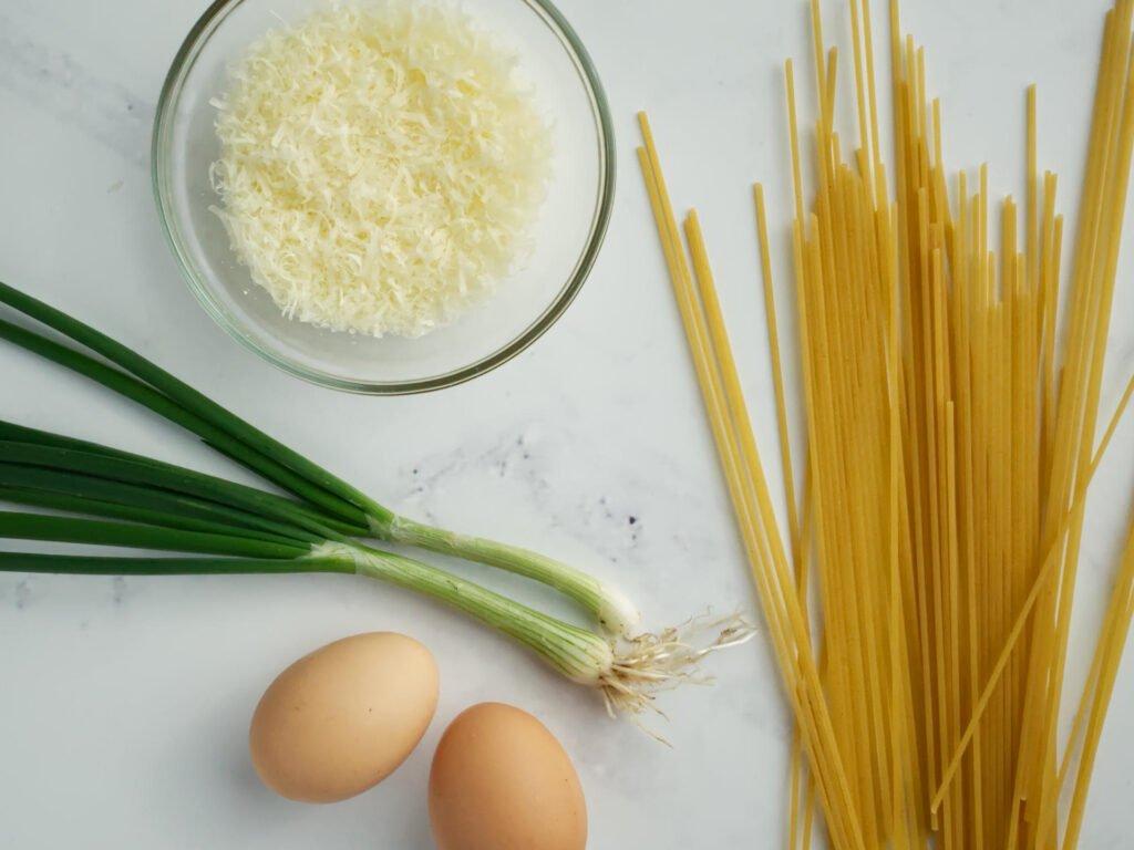 Spaghetti carbonara ingredients